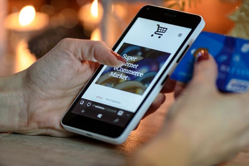 Acquisti negli e-commerce, in aumento quelli da mobile_800x533